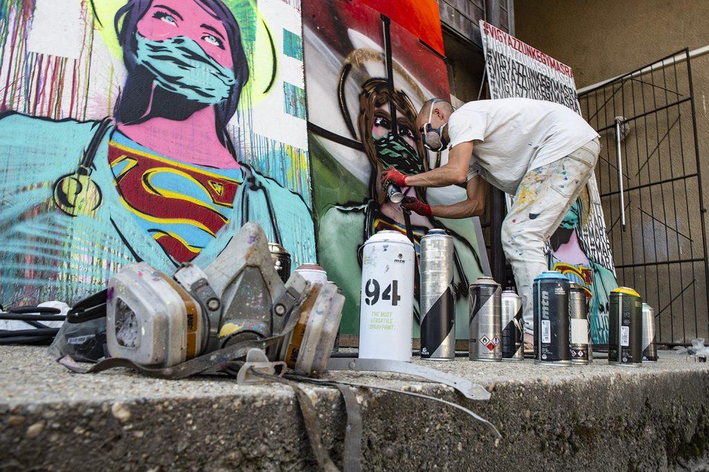 Korona Street Art festés közben