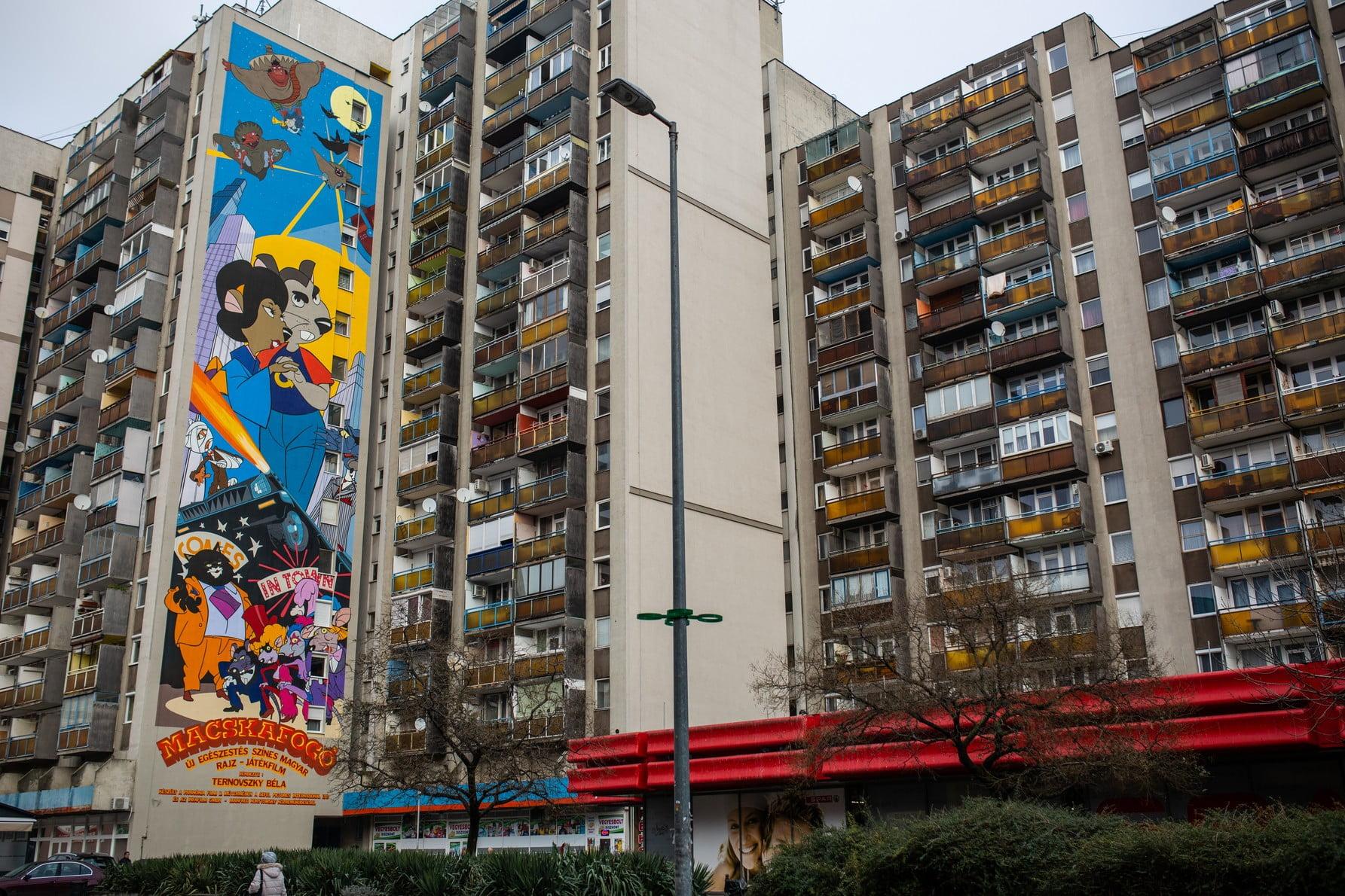 Macskafogó festmény Józsefváros egyik tűzfalán
